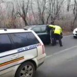 Poliţist ultragiat de un şofer băut