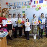 """Școala Postliceală F.E.G. """"Education"""" Tecuci a sărbătorit """"100 de ani de Românie Mare"""" – Galerie foto"""